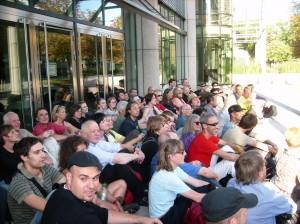 Probesitzblockade vor der KFW-Bank Frankfurt