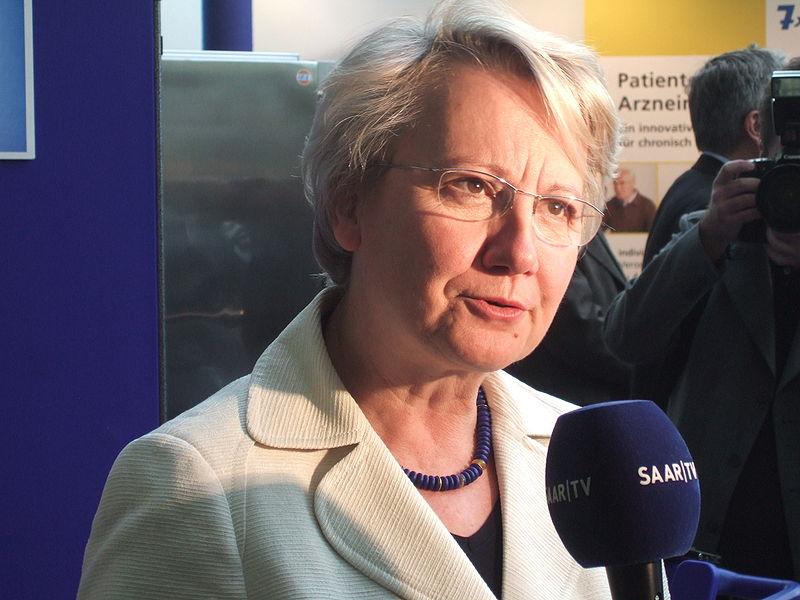 Bildungsministerin Schavan erhebt schwere Vorwürfe gegen Sarrazin