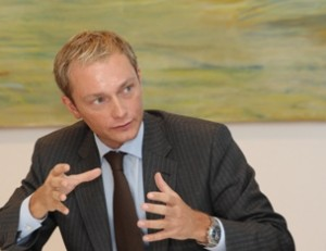 Quelle: http://de.wikipedia.org/w/index.php?title=Datei:Christian_Lindner.jpg&filetimestamp=20090325104232