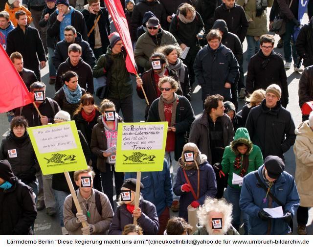 """Berlin: """"Diese Regierung macht uns arm! """""""