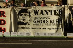 'Demonstration vor dem Bonner Landgericht. Foto: Martin Behrsing